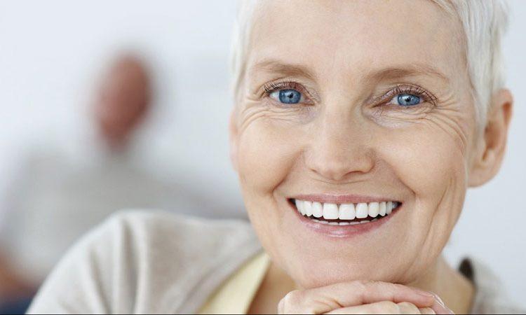 cấy ghép implant bệnh nhân ung thu sau xạ trị , trồng răng