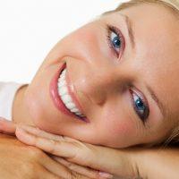 Những điều cần nắm rõ trong lòng bàn tay khi muốn làm cầu răng sứ