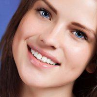 Chân răng không còn có thể chụp răng sứ được không?