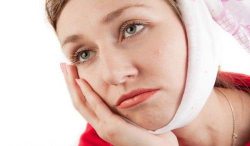 nhổ răng khôn bị sâu