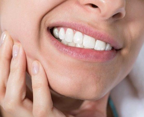 răng cấm có nhổ được không